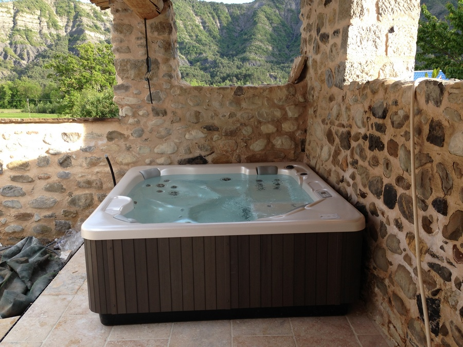 Passion piscines hammam sauna spa gap hautes alpes for Passion piscine